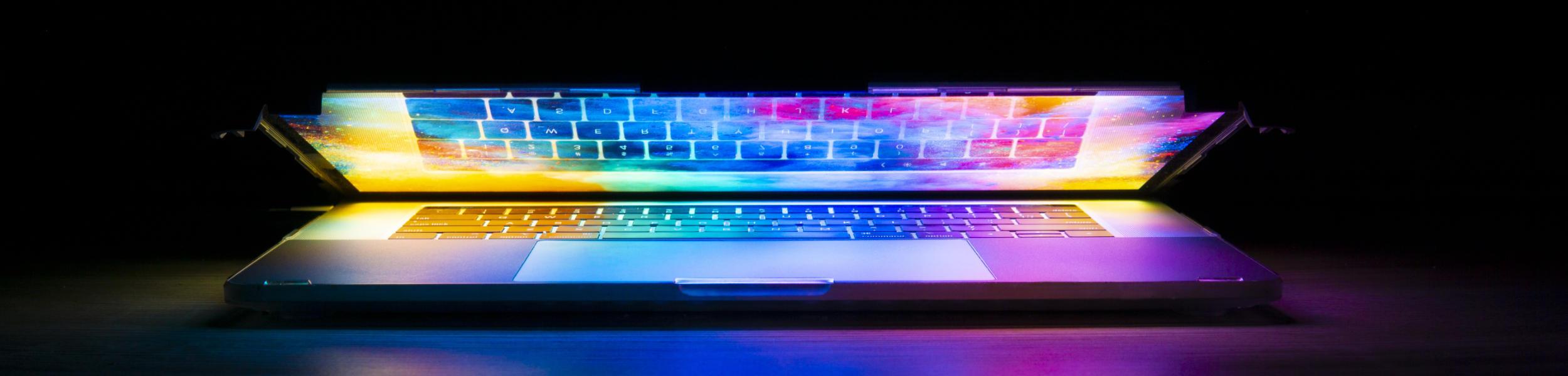 Notebook schimmert in bunten Farben